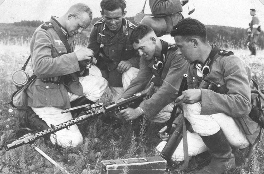 800px-mg34_machinegun_training1939